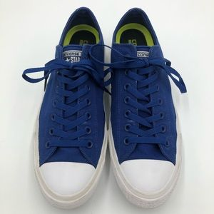 Converse Chuck Taylor II Low Top in Blue Size 11.5
